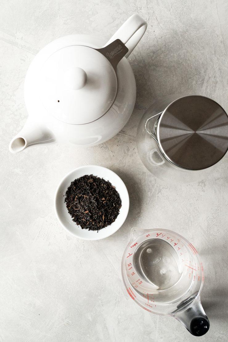 Earl Grey tea tools