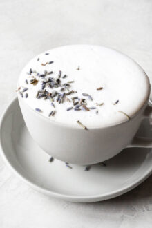 Easy London Fog Drink (Earl Grey Tea Latte)