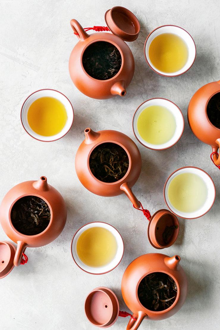oolong tea in clay teapots