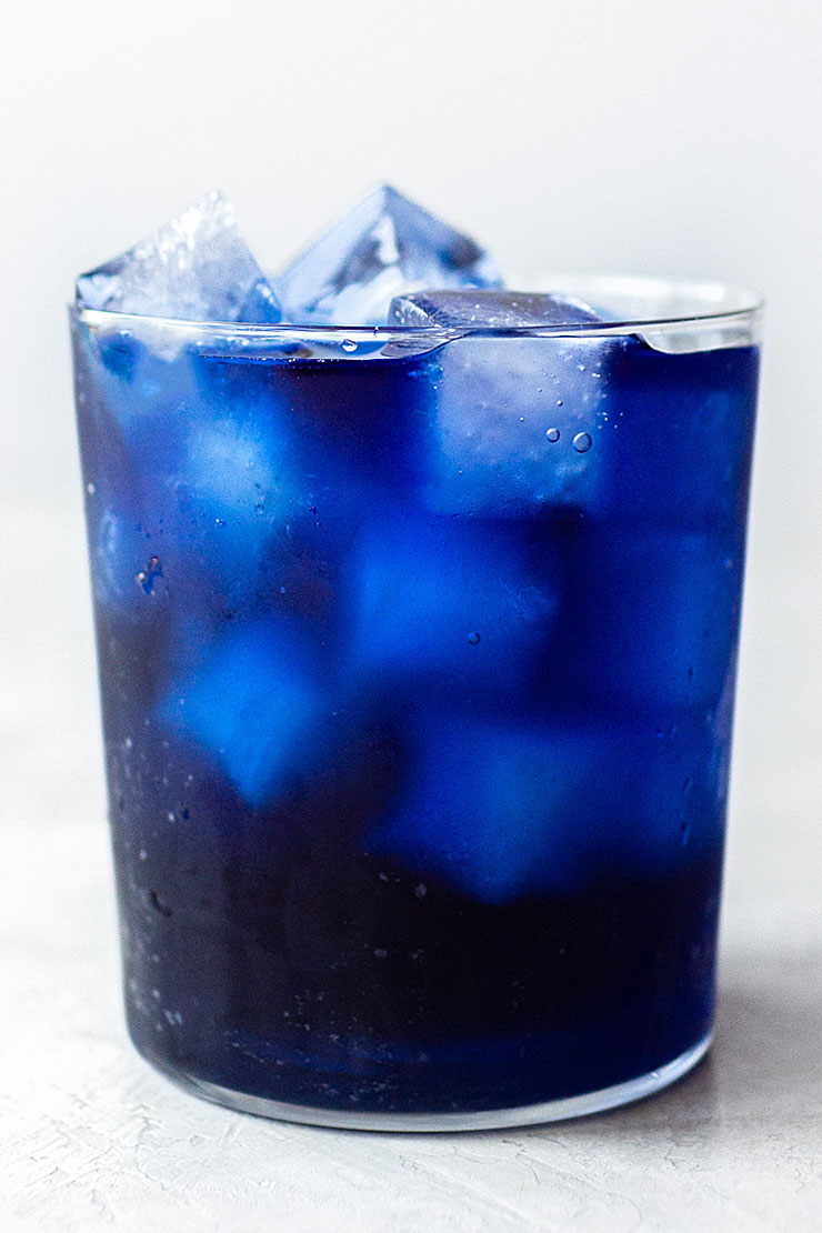 iced blue tea