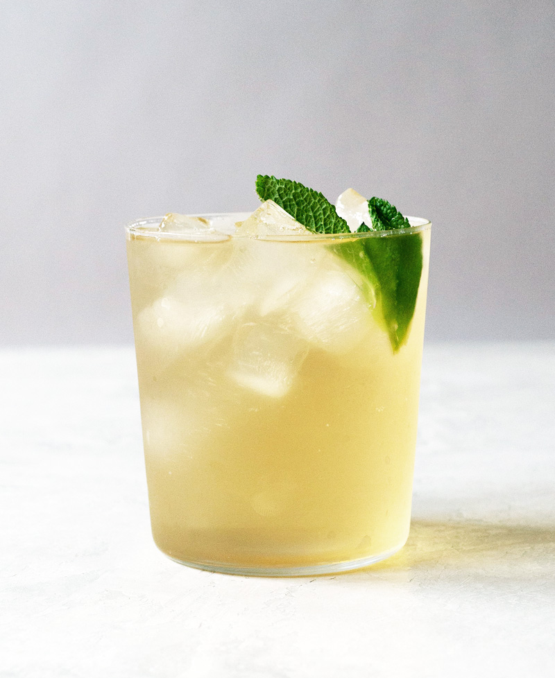 Iced green tea with mint leaves