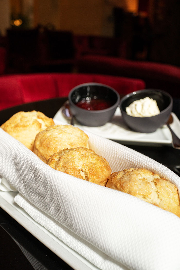 Scones at the Ty Bar - Four Seasons Hotel