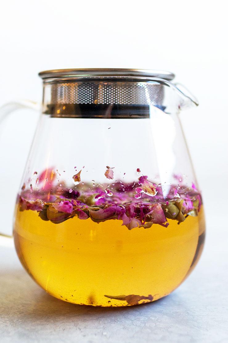 How to make iced rose tea