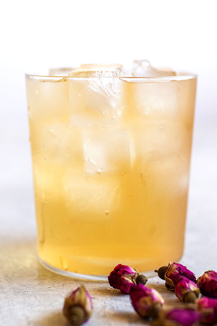 Cold brew iced rose tea