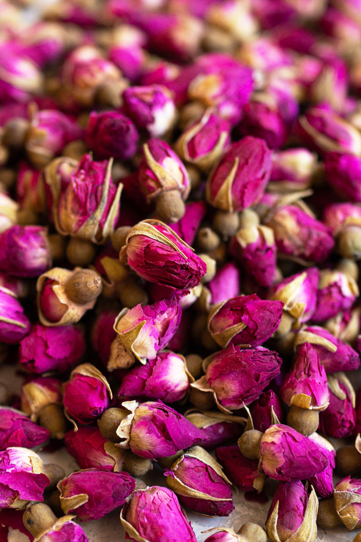 Dried rose buds for rose tea
