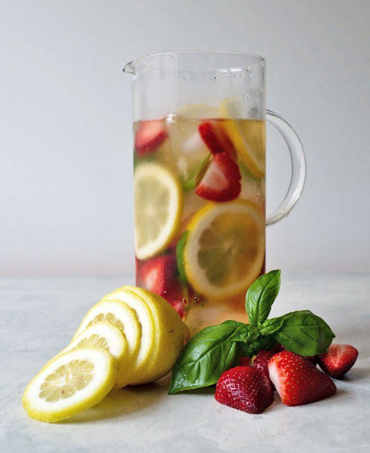 Iced Black Tea with Fresh Fruit
