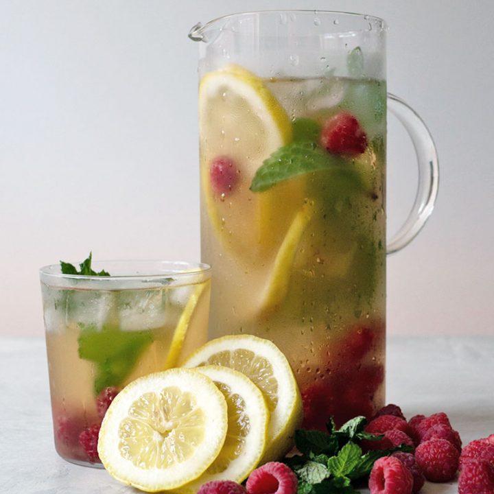 Iced Green Tea with Fresh Fruit