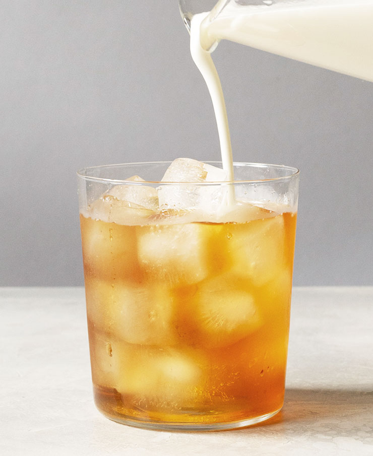 Iced Earl Grey tea latte