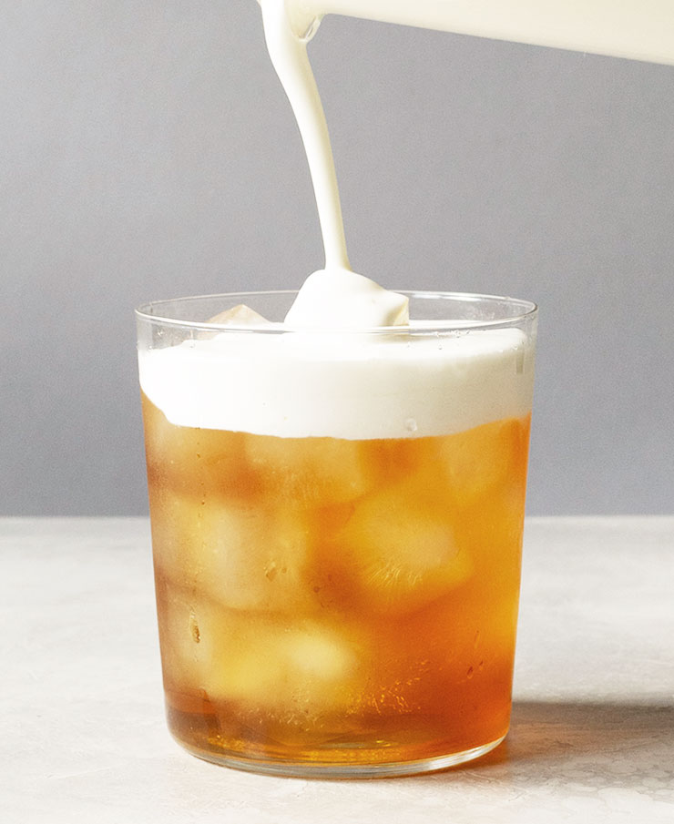 Earl Grey iced tea latte