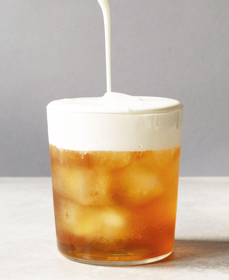 Earl Grey iced tea latte