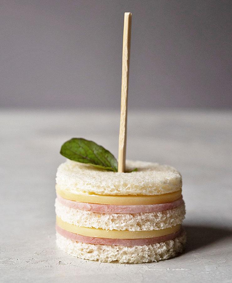 Ham mini sandwiches