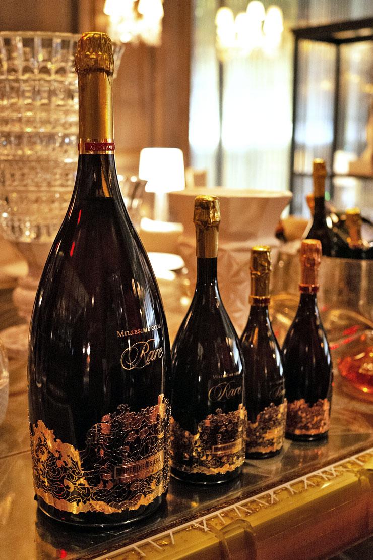 Rare champagne baccarat