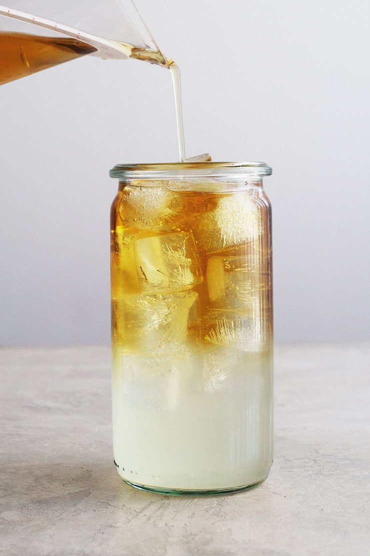 How to make an Arnold Palmer drink