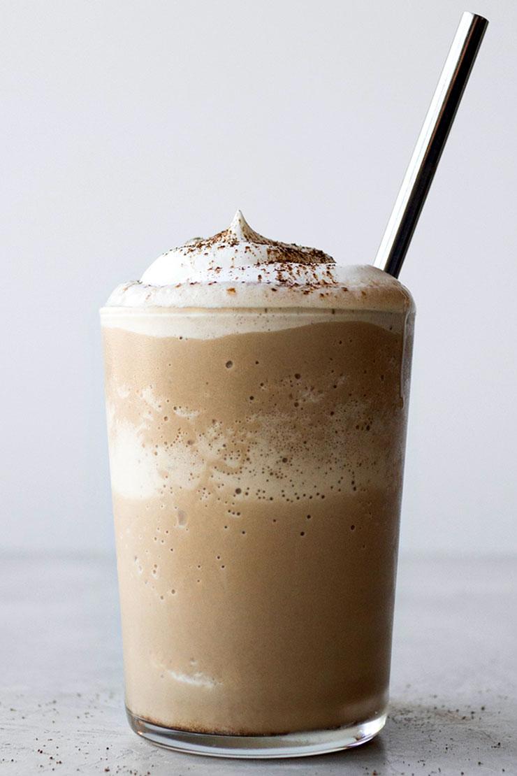 Hojicha caramel frappuccino drink