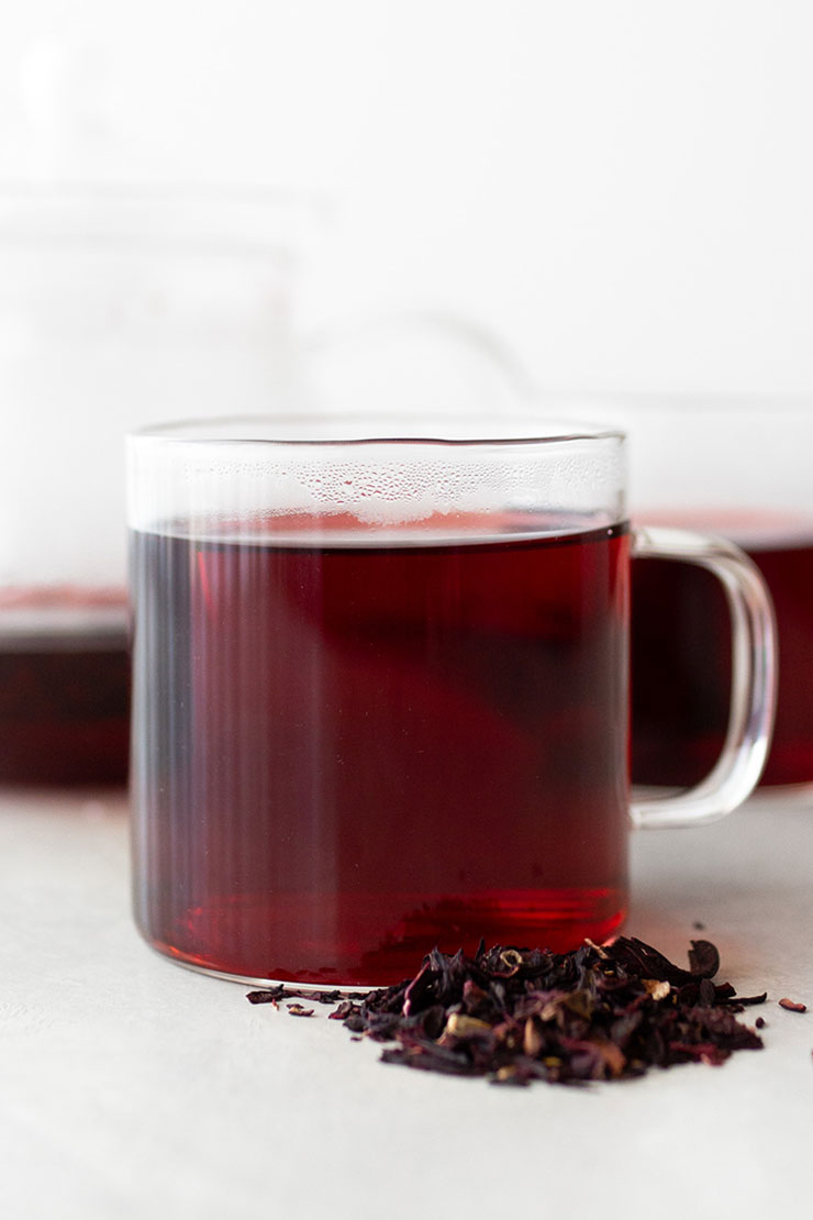 Hot hibiscus tea