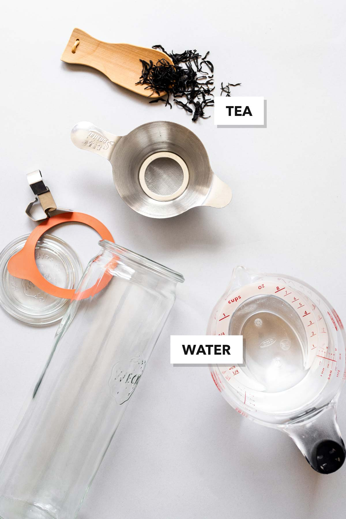 Cold brew iced tea ingredients.
